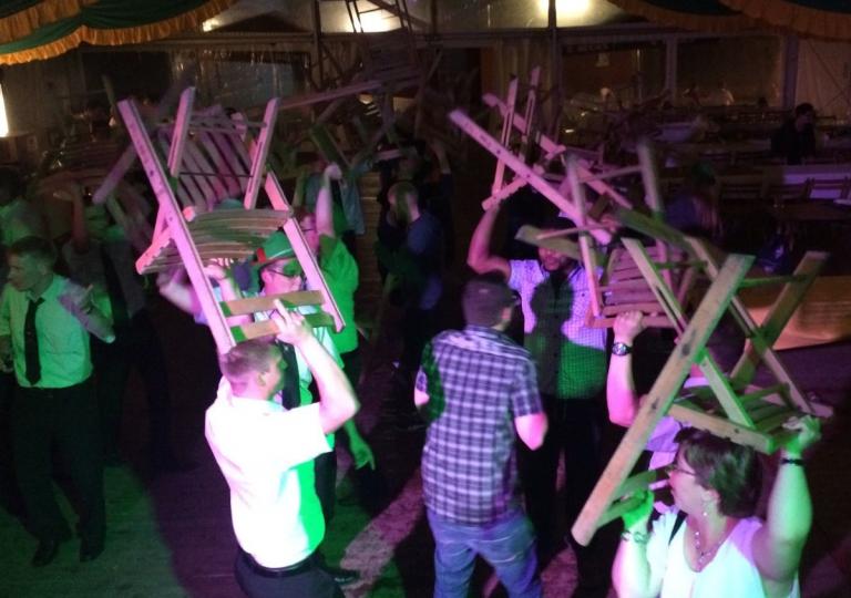 dj-bigfoot-schuetzenfest-schatzi-ich-schenk-dir-ein-foto-1-1200px-72dpi