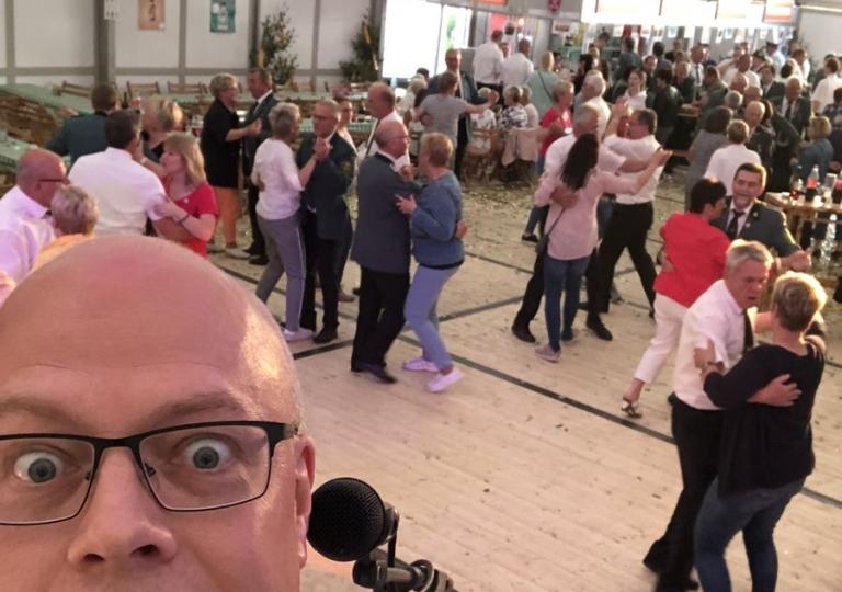 dj-schuetzenfest-beginn-festzelt-moersen-2019-1-1200px-72dpi
